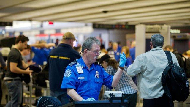 TSA agents protest government shutdown at Pittsburgh airport